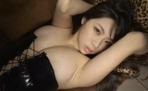 鈴木ふみ奈 大きなおっぱいのエロさが尋常じゃないセクシーな女王様
