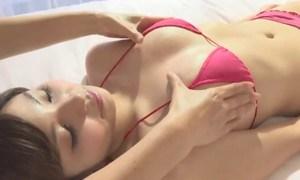 西谷麻糸呂 巨乳を入念にマッサージされるエロ娘