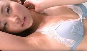 吉木りさ エロカワ看護婦が脱いでセクシーすぎる挑発ポーズ