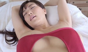 平塚奈菜 いやらしい腰使いの疑似SEXがたまらない