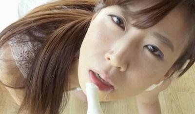 川原洋子 四つん這いでエロい擬似フェラをするお姉さん