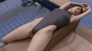 西野小春 清純そうな美少女がハイレグ競泳水着で股間を晒す