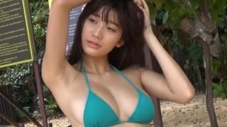 小倉優香 モデル体型の神ボディとおっぱいの超ブレイクグラドル