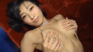 咲村良子 妖艶ボディをエロポーズでアピール