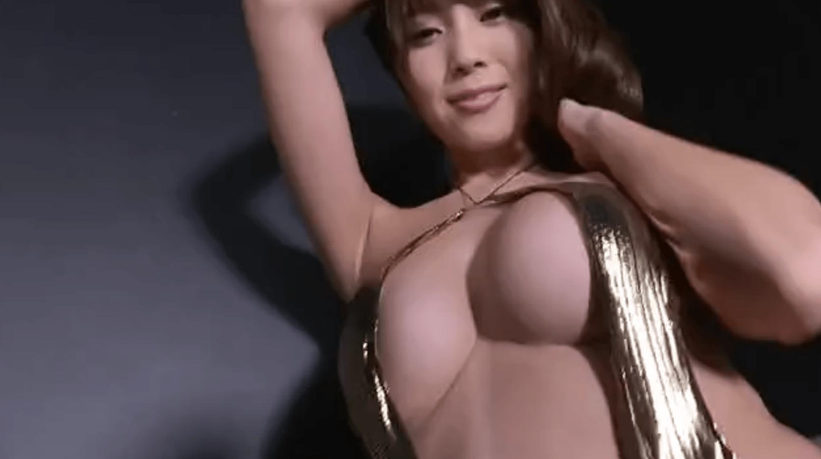 森咲智美 エロ水着着てアグレッシブに踊る